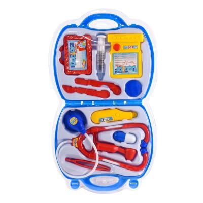 Набор доктора в чемодане