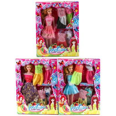 Кукла с нарядами и аксесуарами, 5 платьев